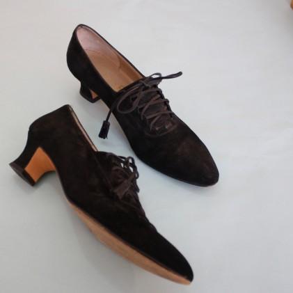 ferragamo-lace-up-heels-20170714211234